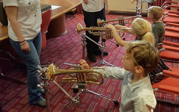 One handed instruments music workshop